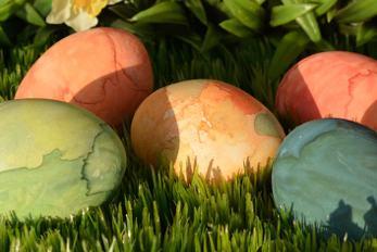 The truth behind artificial coloring and DIY Egg coloring